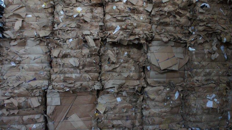 Comercio de aparas de papel