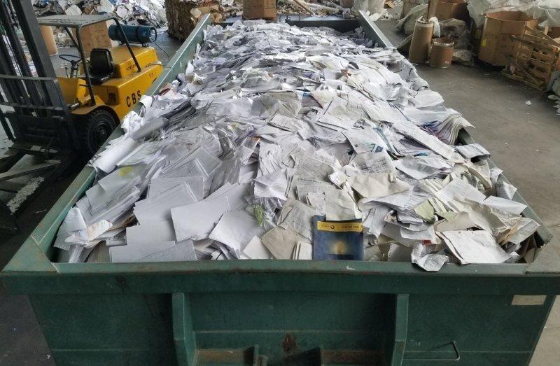 Coleta de aparas de papel