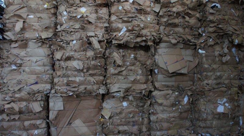 Compra e venda de aparas de papel